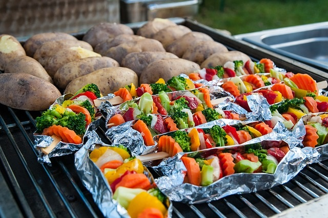 Summer weight loss tips are by far the easiest! Info/Tips from Healthy Diet Habits! Pictured: Grilled Vegetables and Potatoes