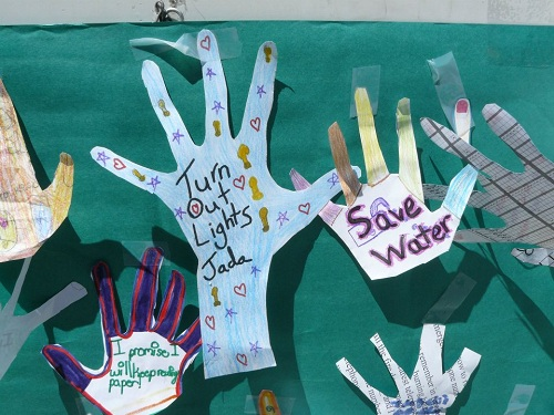 Earth Day Kids Recycle
