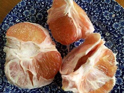Pomelo slices - Tips from Healthy Diet Habits