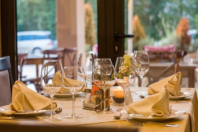 Restaurant Substitutions and Tips for Going out to eat by Healthy Diet Habits